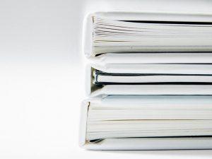 Sådan hjælper du dit barn med at finde billige studiebøger